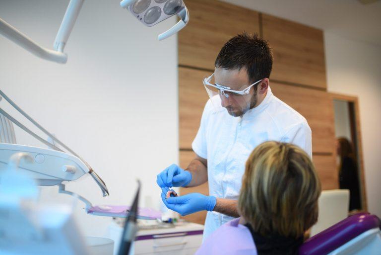 Impianti dentali in studio dentistico Identalia