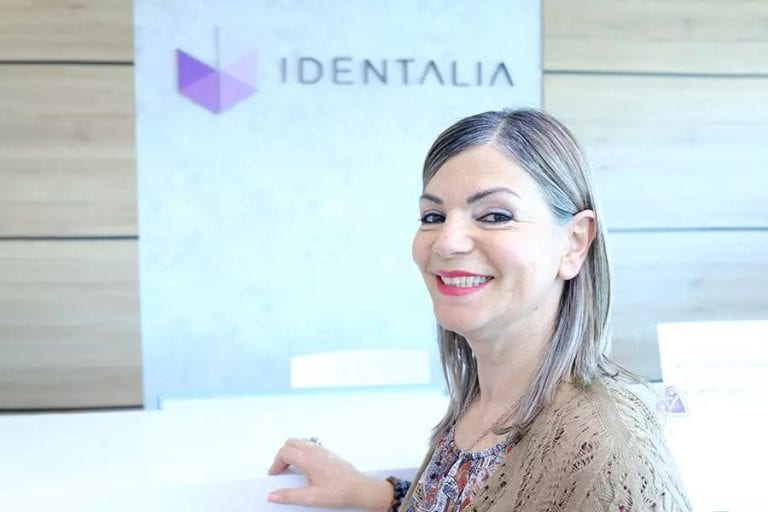 Paziente curata la parodontite