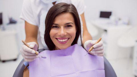 Fastio e dolore ai denti bellisimi